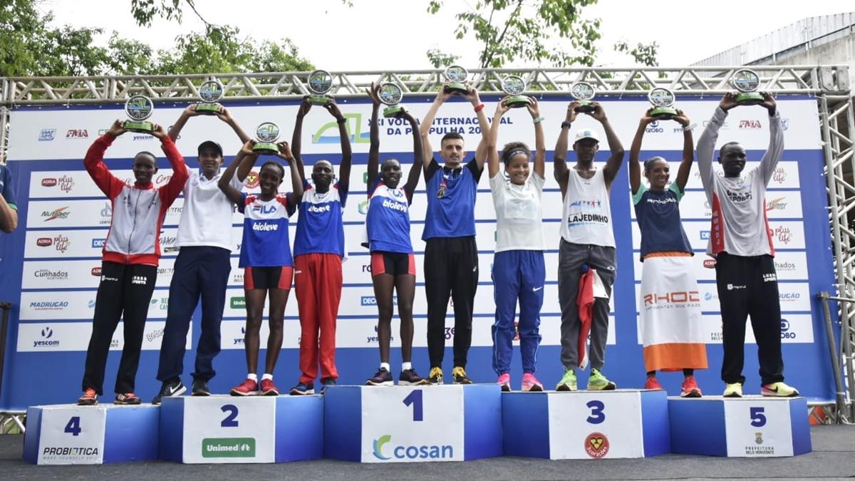 Brasileiro Ederson Vilela sobe ao lugar mais alto do pódio na Volta Internacional da Pampulha